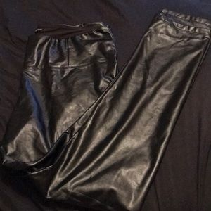 ✔️ Sexy all black Faux Leather Pants ✔️